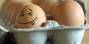 eieren uitblazen