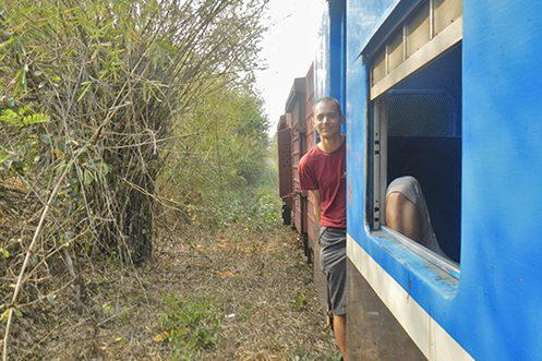 Tieme op de fiets naar India - Myanmar